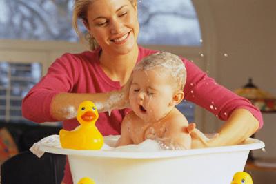 Dịch vụ tắm cho trẻ sơ sinh tại Quận Thanh Xuân