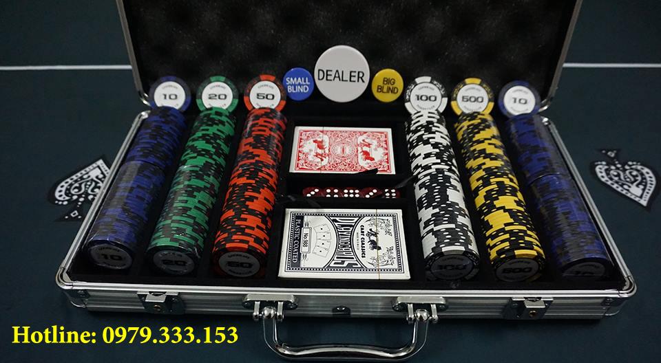 Bán phỉnh poker goodeasy poker club 300 chip tại Hà Nội